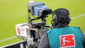 Tv Experten Mehr Fussball Konkurrenz Fur Sky Eurosport Und