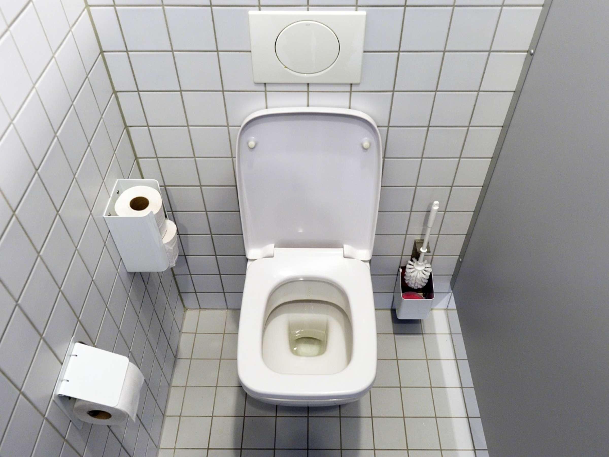 Schmutziger als Toilette: Dieser Stelle im Bad sollten Sie