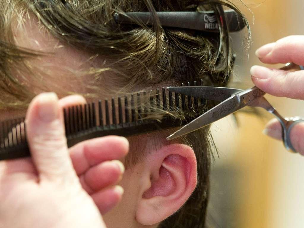 Friseur wegen Coronavirus dicht? So schneidet man sich selbst die