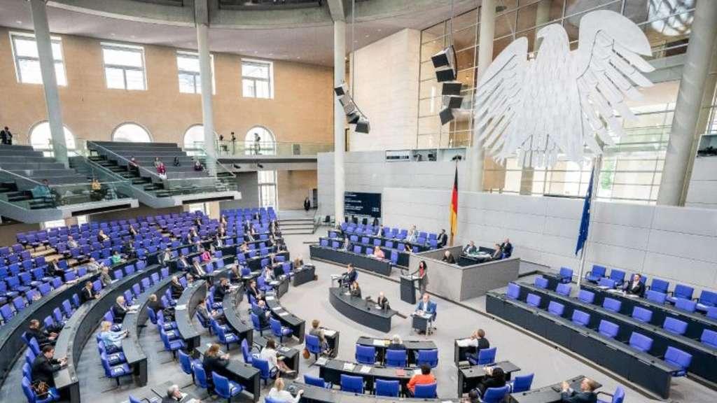 Streit über Wahlrechtsreform nach Brinkhaus-Vorstoß | Politik