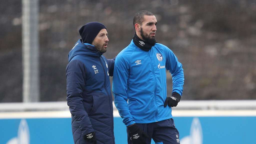 Domenico Tedesco im Training mit Nabil Bentaleb.