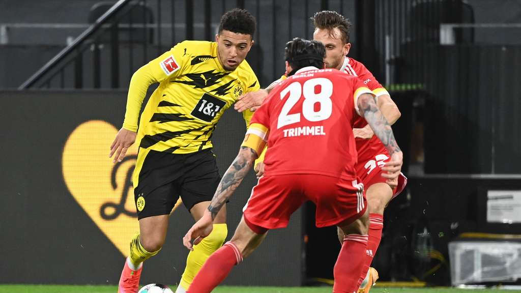 Jadon Sancho am Ball gegen Union Berlin
